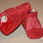 Des petits chaussons rouges pour une petite miss !