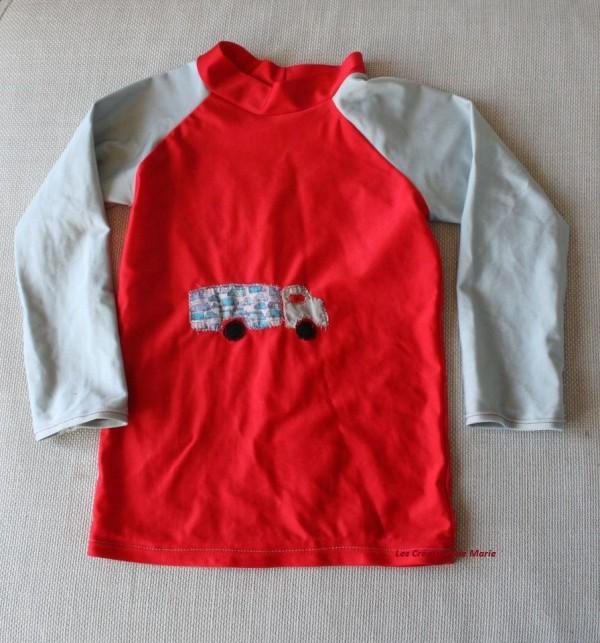 Tee-shirt de piscine lycra rouge et gris